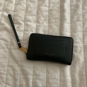 MARC JACOBS WALLET!
